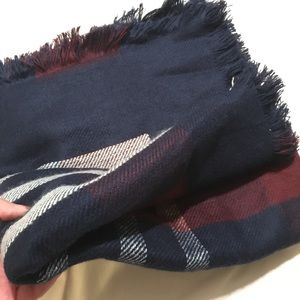 Accessories - Classic plaid blanket scarves